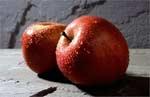 Яблука шкодять зубам