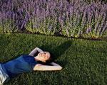 Сон, чай и смех спасают от стресса