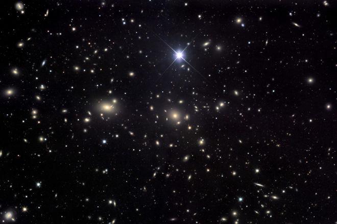 """Астрономы смогли найти в """"Волосах Вероники"""" большие запасы темной материи"""