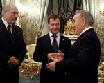 Медведев, Лукашенко и Назарбаев окончательно оформили ЕЭП Фото с сайта podrobnosti.ua