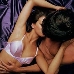 Как женщины имитируют оргазм