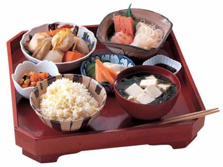 Блюда японской кухни из риса