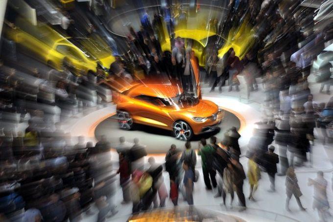 Женевский автосалон Geneva Motor Show 2011