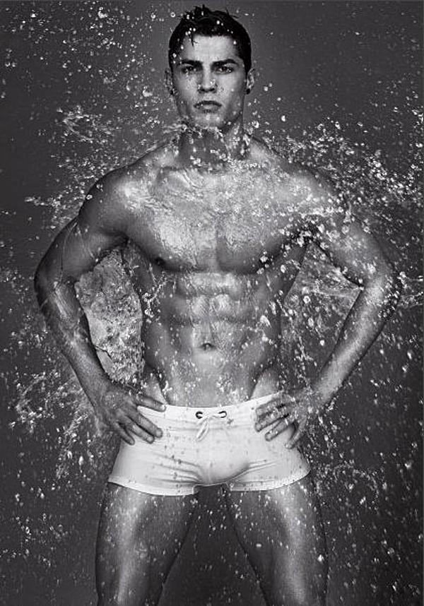 Роналдо голый фото