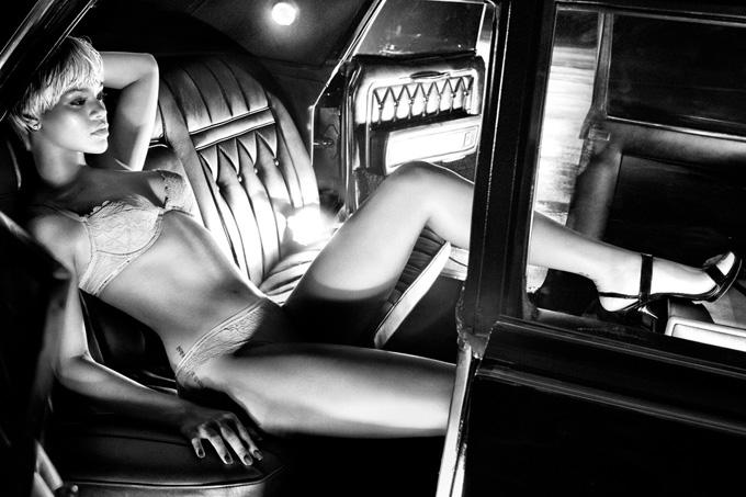 Ріанна в рекламі Armani Underwear
